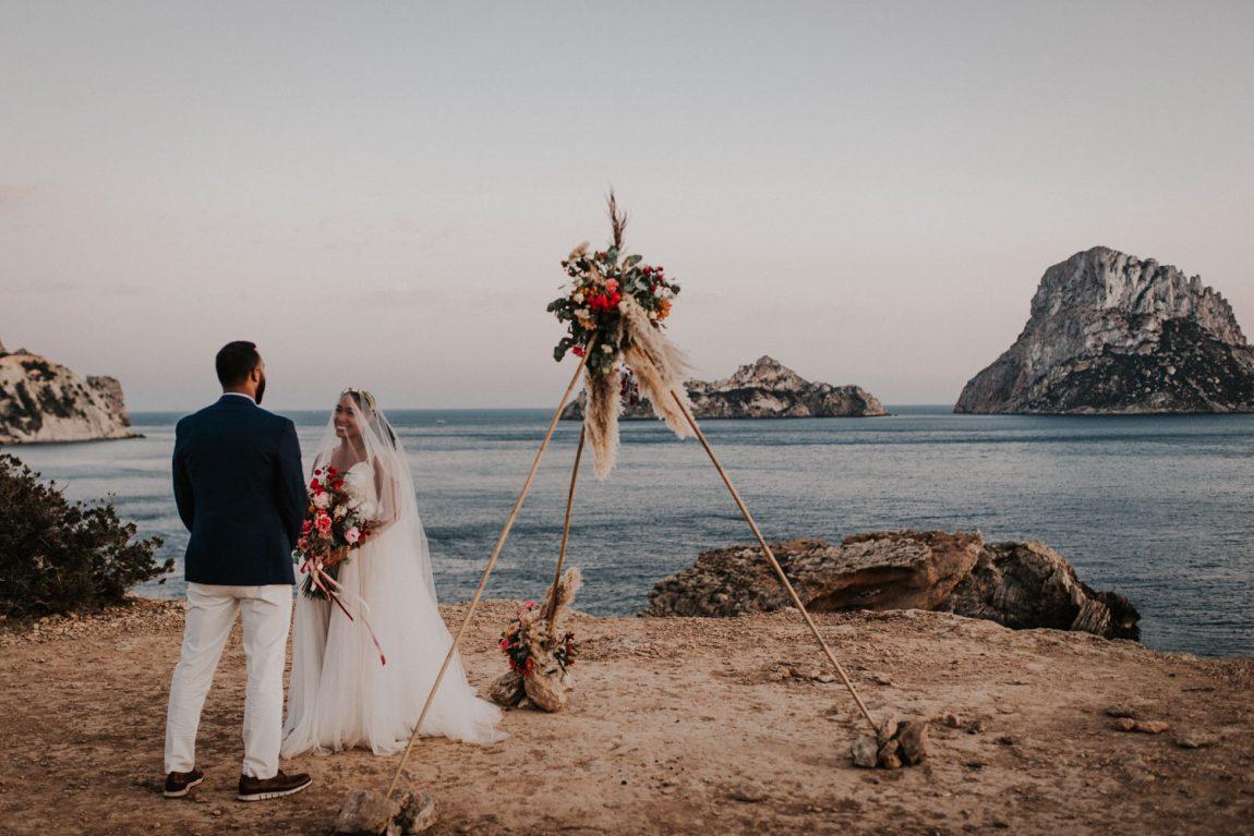 Tu boda en Es Vedrà: Un acontecimiento mágico